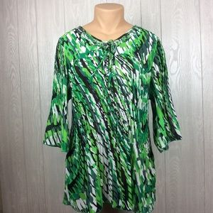 Beautiful Green Crinkle Blouse PLUS SIZE 1X
